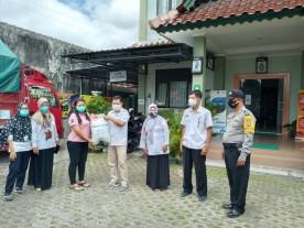 Penyaluran bansos beras Pemerintah kepada keluarga PKH Kelurahan Warungboto