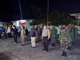 Pelaksanaan Sosialisasi dan Edukasi PPKM Darurat hari pertama di Kemantren Umbulharjo
