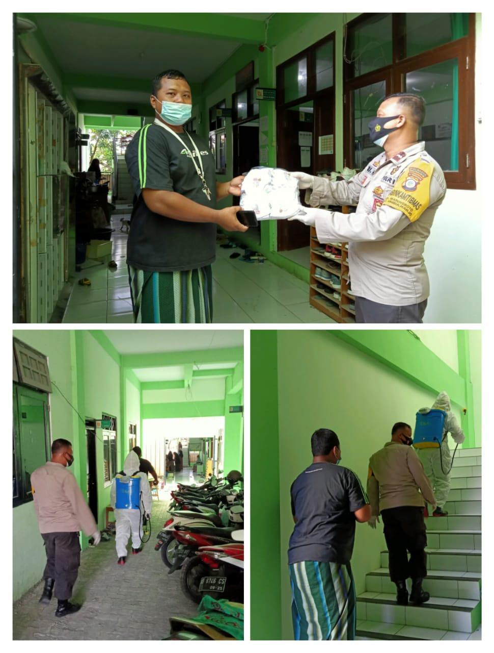 Darurat PPKM Warungboto lakukan desinfeksi
